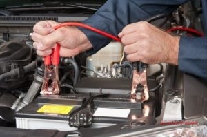 jumpstarting a car battery